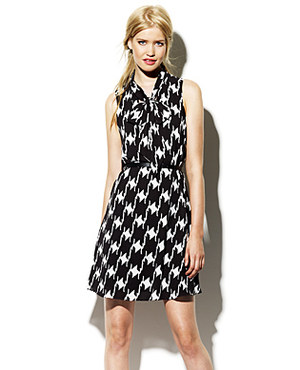 Dress up with your Houndstooth Dress | Cindy's Banjo