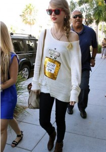 Taylor Swift in her Love Potion No. 9 Wildfox pullover