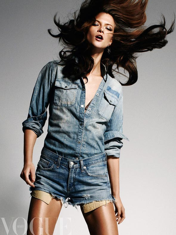 Canadians girls do it better: Double denim Canadian tuxedo. Wear it sexy for your mandatory hair fling during Grown Woman.